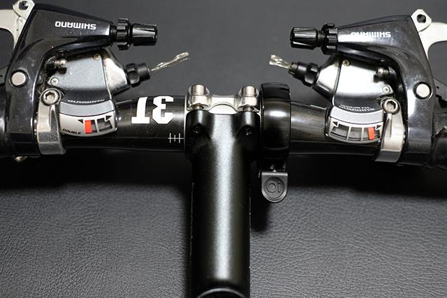 クロスバイクのハンドルを交換するマスタマイズ