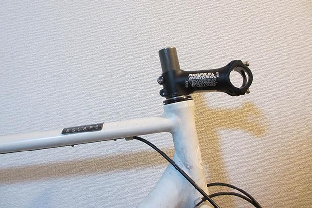 ステムを交換してクロスバイクをカスタマイズする