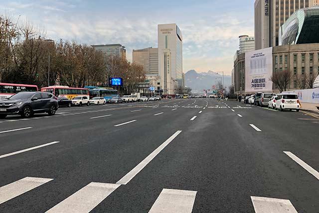 市庁(シチョン)周辺の道路