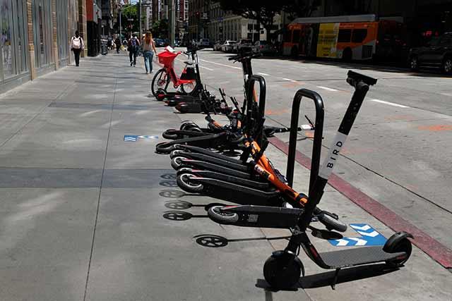 電動スクーターの社会問題