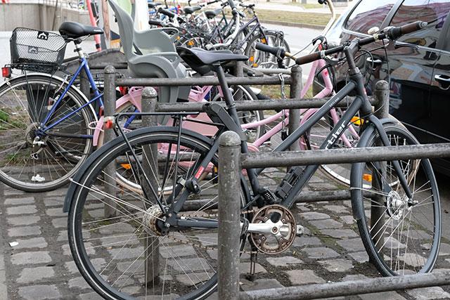 街なかに駐輪場が多い