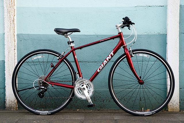 クロスバイクのESCAPE R3で使用されている銀色のパーツ