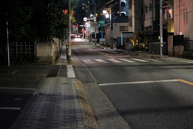 交通ルールを守ることと歩行者に注意すべし