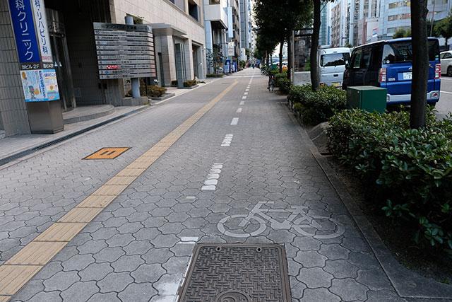 自転車歩行者道での表示