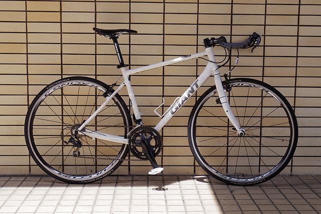 愛車はGIANT社のクロスバイクのEscape Air